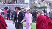 #刘强东夫妇出席英国皇室婚礼#