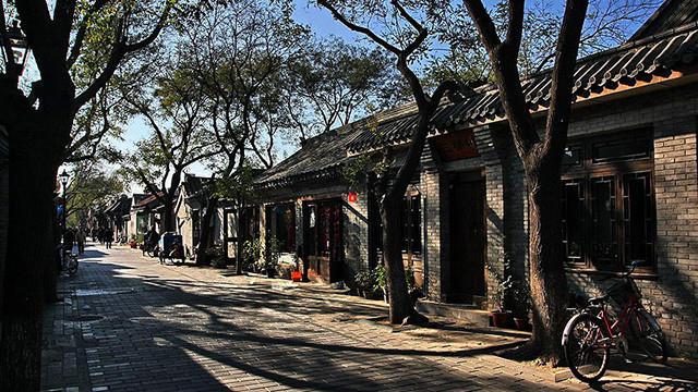 北京胡同太土了,一群老外花4年爆改了麻辣烫、肉铺、棋牌室结果666
