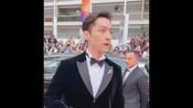 胡歌5月19日戛纳电影节走红地毯,太帅了,《南方车站的聚会》