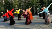 年前作品首发:紫竹院广场舞《忘不了曾经的你》,青花瓷、顾领舞