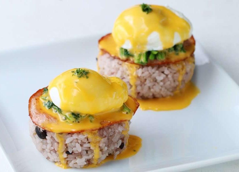 优选早餐:班迪尼克蛋配饭