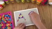 制作英文字母Aa 儿童蘑菇钉组合拼插板拼图宝宝 益智早教-小傲玩具游戏3-小傲亲子