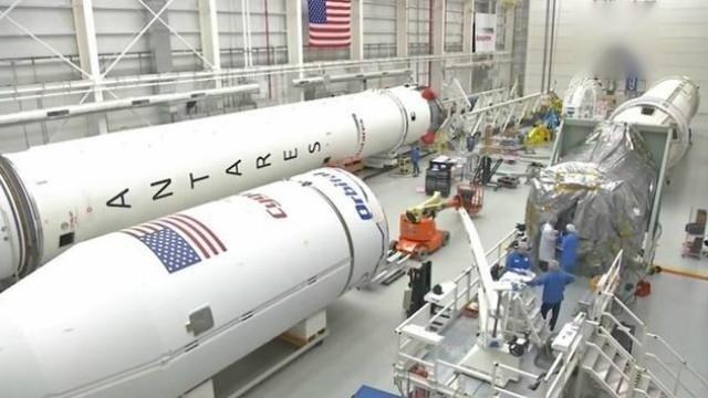 抢中国头条?美国紧随神舟11号发射太空飞船