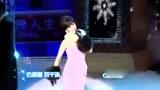 36年后赵雅芝再唱《上海滩》,各种心酸