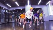 庄里的酷暑已到快来SAE舞动好身材,不努力怎么跟着这群可爱又有颜的导师们跳起来
