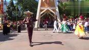 美国加州迪士尼乐园《寻梦环游记》游街唱完整表演,超级赞!