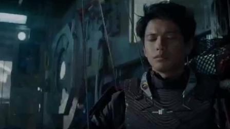 电影:《头号玩家》高达VS机械哥斯拉高燃片段,满满的青春记忆