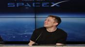 """SpaceX公布全球首个""""普通人""""签下绕月之旅【突发美国】"""