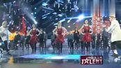 中国达人秀:英国快乐父子和中国小媳妇在舞台上激情热舞