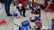 深圳沃尔玛一男子抄起菜刀就砍人,砍死2个伤9个