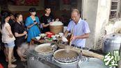 博白县三滩镇的牛腩粉,很多吃货为美食慕名而来,生意火爆