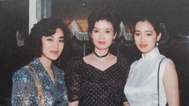 潘虹巩俐张艾嘉合影旧照曝光 30年前美得不像话