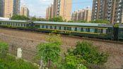 2017年5月20日 K1806通过莲花路地铁站附近,上海南站发车