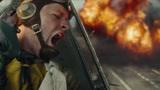 决战中途岛:这段危险的俯冲轰炸,看哭不少中年观众,全程高能!