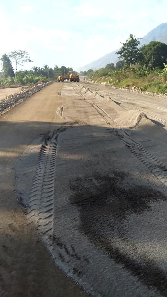 水泥稳定土养护