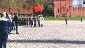 中国解放军参加俄罗斯阅兵,唱着喀秋莎踢着正步,太霸气!