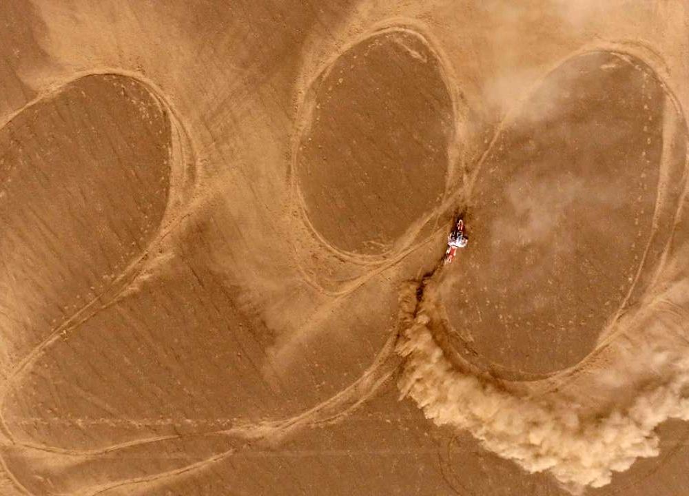大型无人区穿越纪录片《疆驭》预告发布