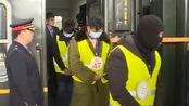 中国籍团伙藏身蒙古酒店实施诈骗 759人遭荷枪实弹押解回国
