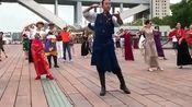 藏族帅哥都市跳锅庄舞广场舞节奏感爆棚,想学的点点波!