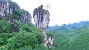"""云南深山里的""""奇石""""景观,它屹立山崖边千万年,靠近才发现奥秘"""