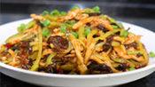 川菜厨师教你鱼香肉丝的正宗做法,都快没人记得了,非常的下饭