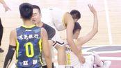 CBA:赵睿被裁判拉住,欲挥拳与刘铮爆发激烈冲突