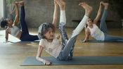 """98岁瑜伽师身姿似少女""""不应为吃而吃"""""""