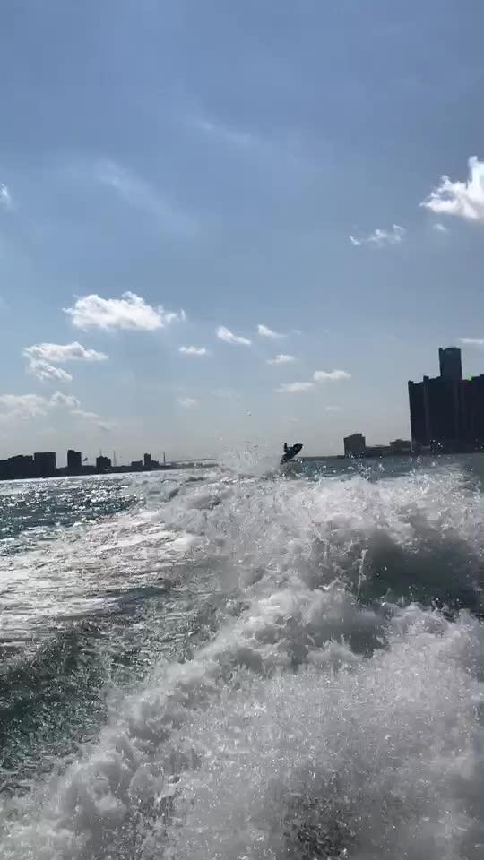 摩托艇系列1-看的见它嘛?