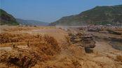 黄河东西两岸观壶口瀑布
