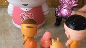 怪兽非要小兔子给他唱歌,小兔子说只唱歌给小朋友听,小朋友们来了,小兔子就唱歌给小朋友们听了!