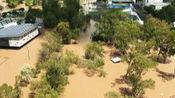 30年最大降雨!实拍:澳大利亚悉尼遭暴雨袭击 扑灭山火引发洪涝