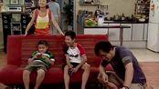 小雪放学回家,发现家里多了好几台电视,小雪:咱家开娱乐城了?