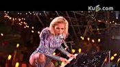超级碗-Lady gaga中场表演秀引爆全场 经典曲目引共鸣