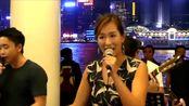 香港知名艺人吴幸美8月11日亮相尖沙咀,亲民演唱,毫不做作