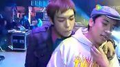 李昇炫台下逗胜利玩!笑死了 胜利被TOP玩坏了