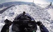 美国特技跳伞高手埃里克·罗纳借雪地车搏命一跳【牛男运动】