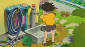 悬崖上的金鱼姬:宗介把捡到的波妞放进绿桶里,波妞高兴的转圈圈