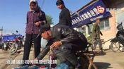 视频:甘肃农村集市搞笑卖膏药