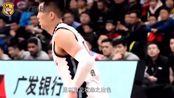 山东男篮20分大胜辽宁,巩晓彬赛后猛夸一人,称他是全队的榜样!