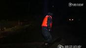 【拍客】贵州深夜暴雨引发内涝32人被困