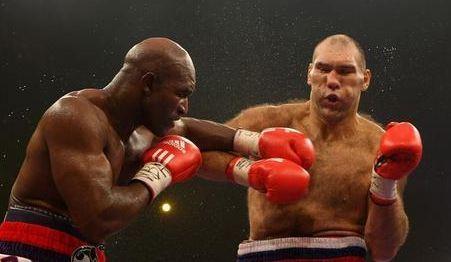 拳击史上10大左勾拳KO 太凶狠了