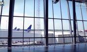 为慈善 瑞典机场变怀旧机铺