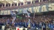 亚冠-17赛季-川崎前锋赛后与球迷同庆胜利 首席功臣小林悠进球礼物竟是大菠萝-专题