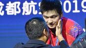樊振东4-2吊打张本智和,勇夺3冠为马龙复仇,刘国梁怒吼庆祝!