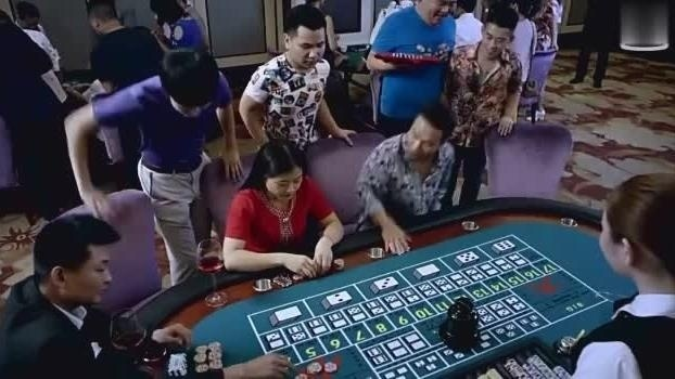 澳门赌场来了几个东北人,听见上百万的赌博,吓的不敢出声!