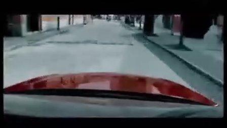 街头上演追逐大戏-科鲁兹酷跑广告