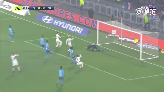 里昂2-0击败马赛