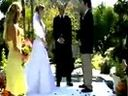 http://www.cpccall.com 39愚蠢伴郎毁了整个婚礼搞笑视频