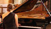 Sonata in D, H.XVI No.37 by Haydn. Pianist - Nadine André-H2LAoziM59E