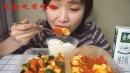 吃播美女吃家常菜配米饭 宫保鸡丁 番茄炒蛋